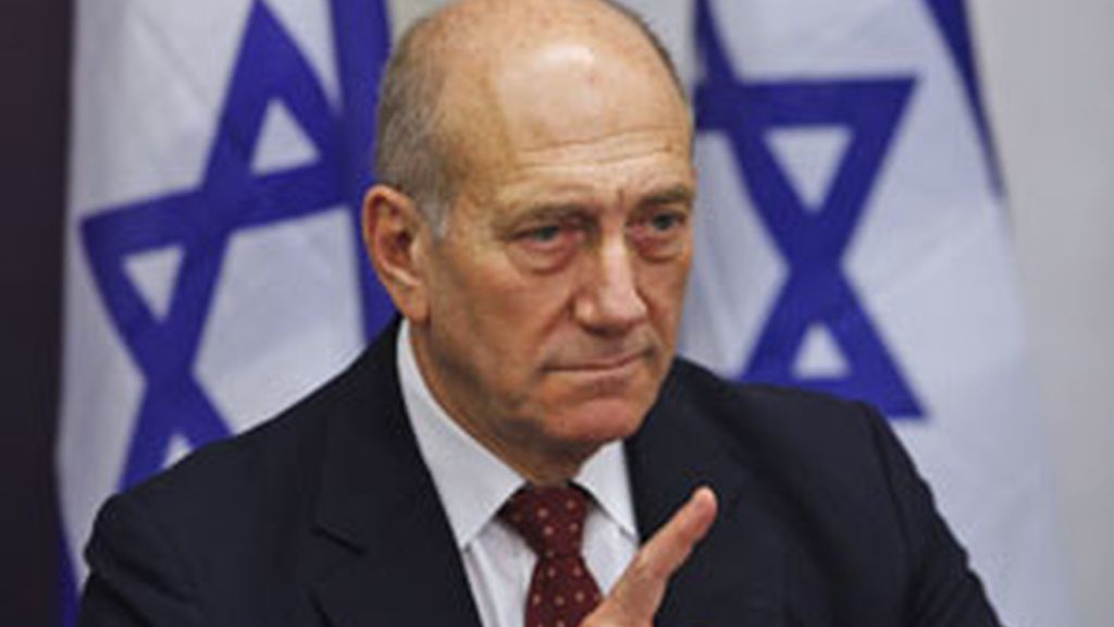 El primer ministro israelí, Ehud Olmert, en la rueda de prensa ofrecida tras la reunión del Consejo de Seguridad del Estado judío. Foto:AP
