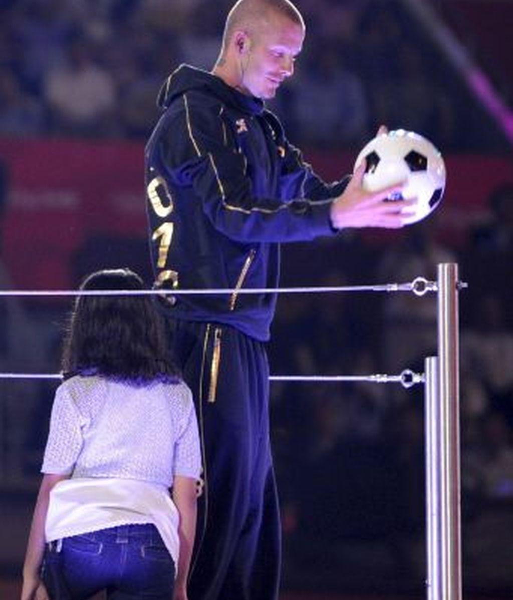 Pekín cierra el telón a unos JJOO que China acercó a la perfección