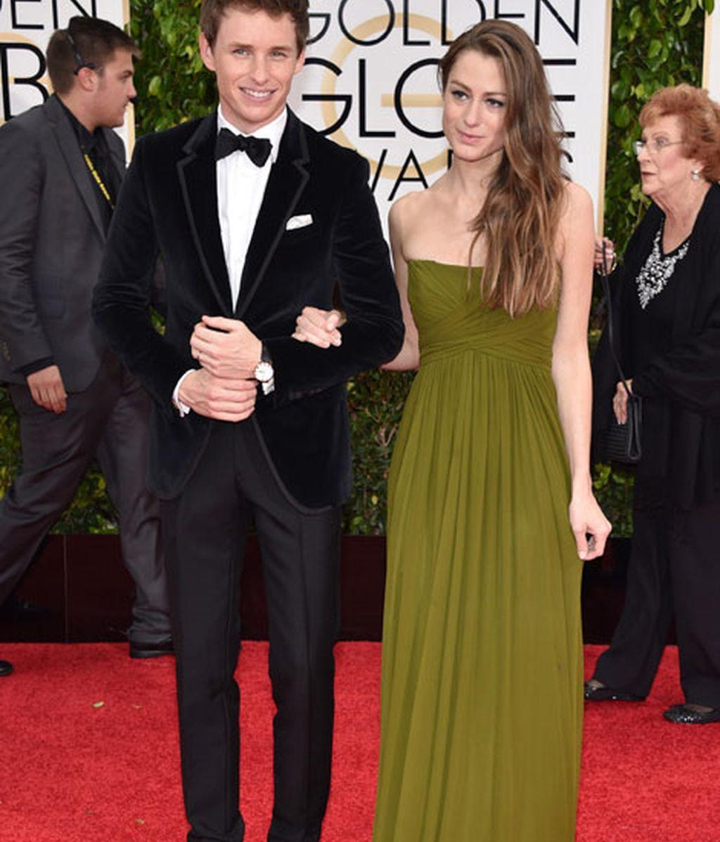 Eddie Redmayne y Hannah Bagshawe en la alfombra roja