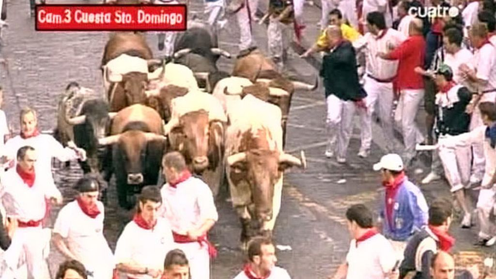 La carrera comenzaba con la salida agrupada de los astados en la cuesta de Santo Domingo