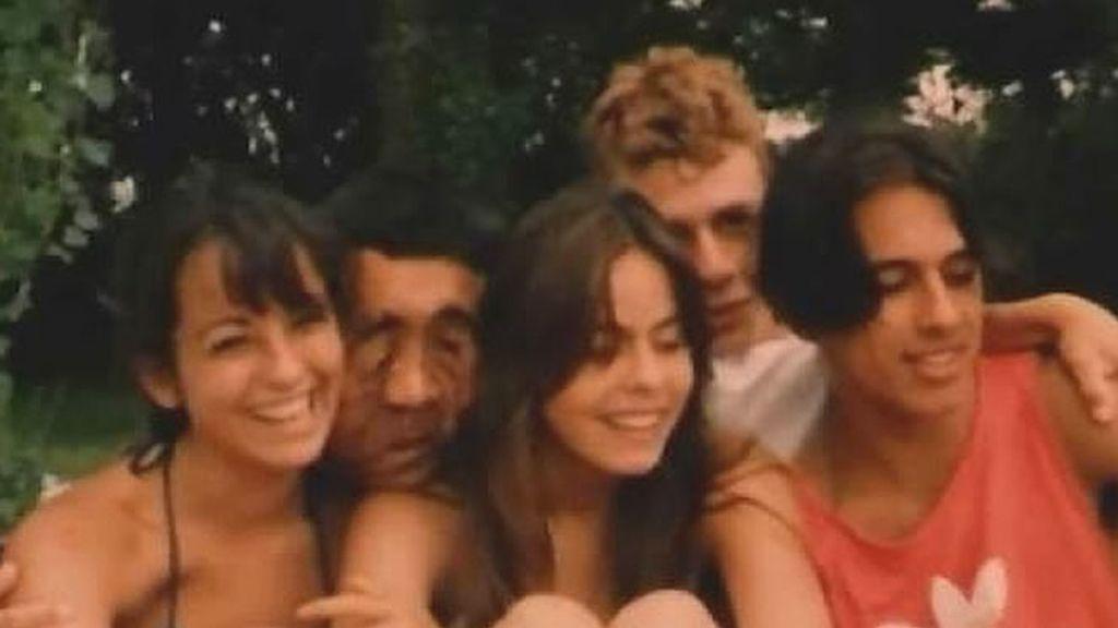 Rafael no tuvo una adolescencia fácil. En la foto, en un momento con sus amigos