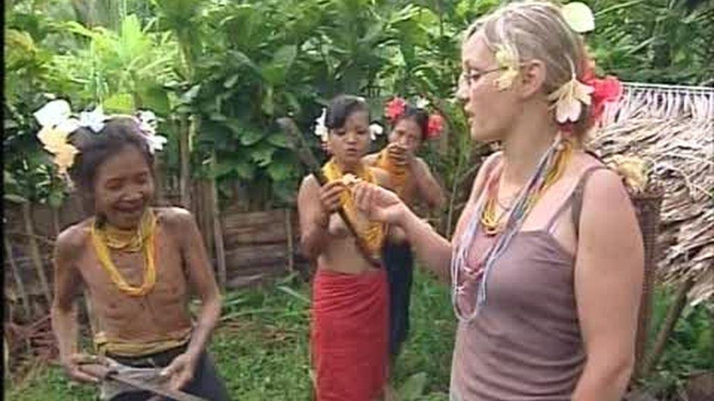 Sonia, cada vez más unida a las mentawai