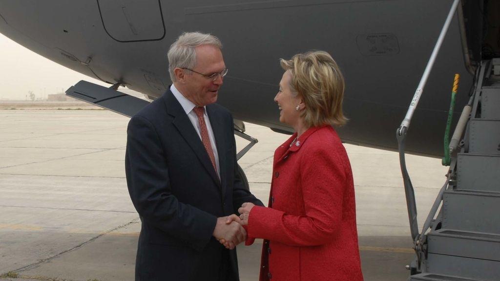 Hillary Clinto en su visita a Bagdad