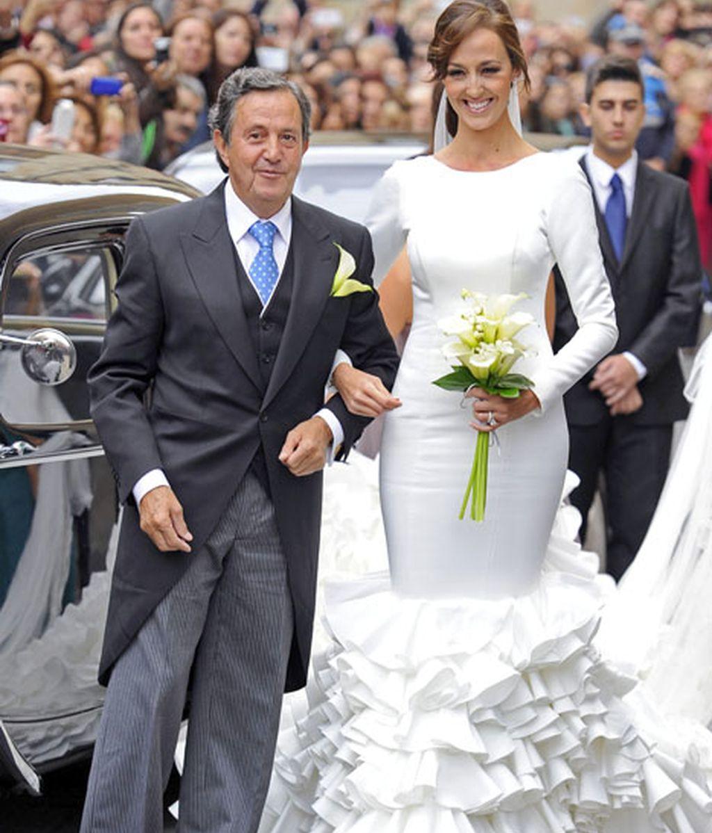 "La novia llegó a la Iglesia acompañada por su padre, ""El Niño de la Capea"""