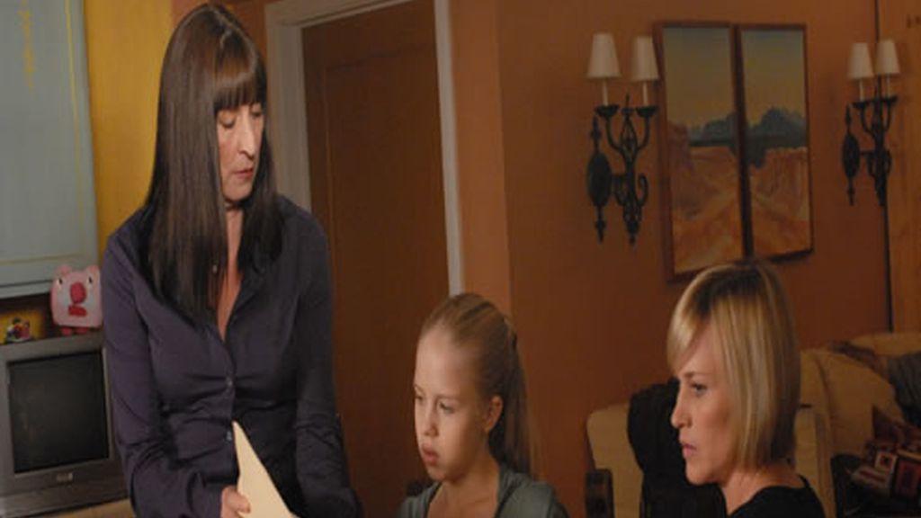 Allison Dubois habla con Cynthia Keener