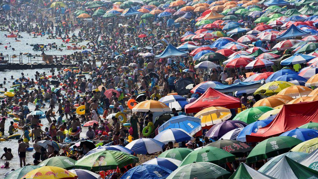 La playa de Dailan 'cuelga' el cartel de aforo limitado