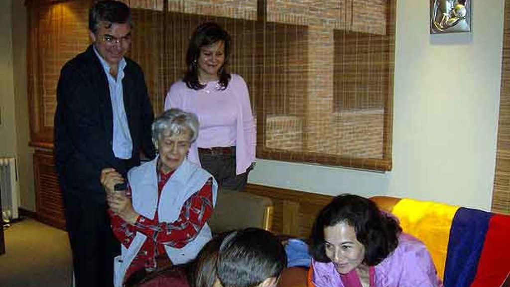 Clara Rojas el día que se reencontró con su hijo