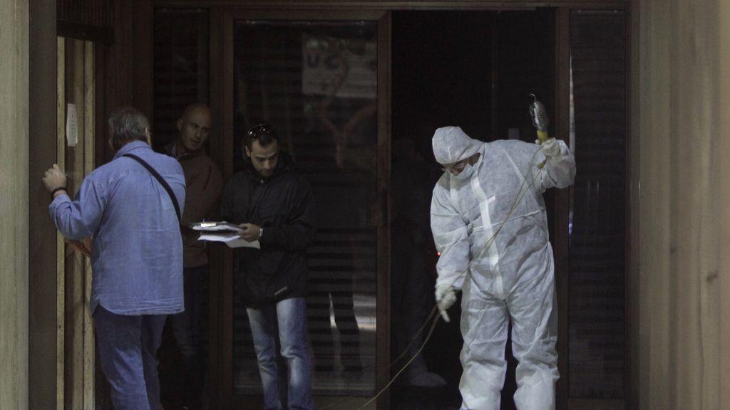 Seis encapuchados incendian la oficina de un ministro en Grecia