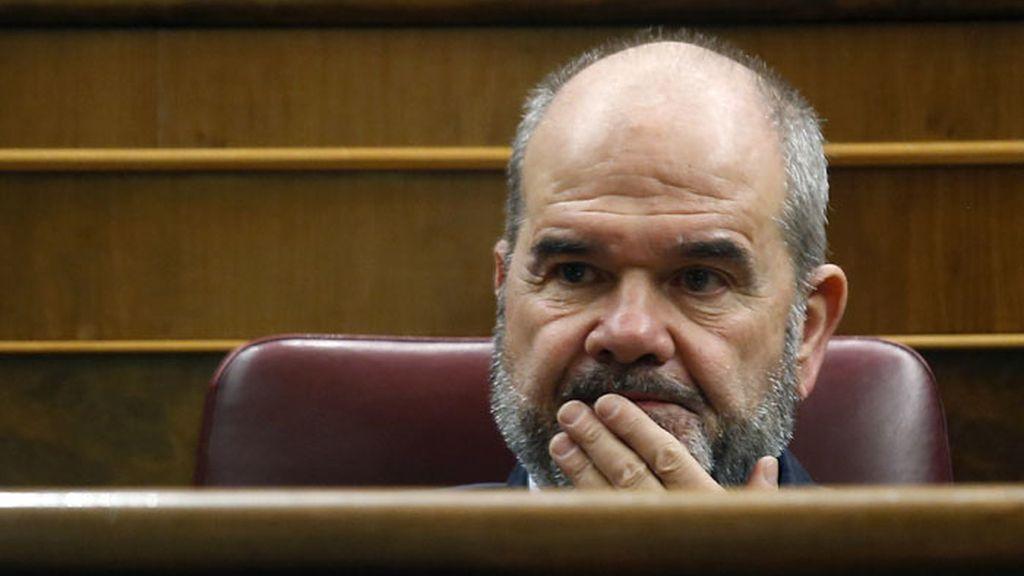 Chaves, en el Congreso con rostro preocupado tras su imputación