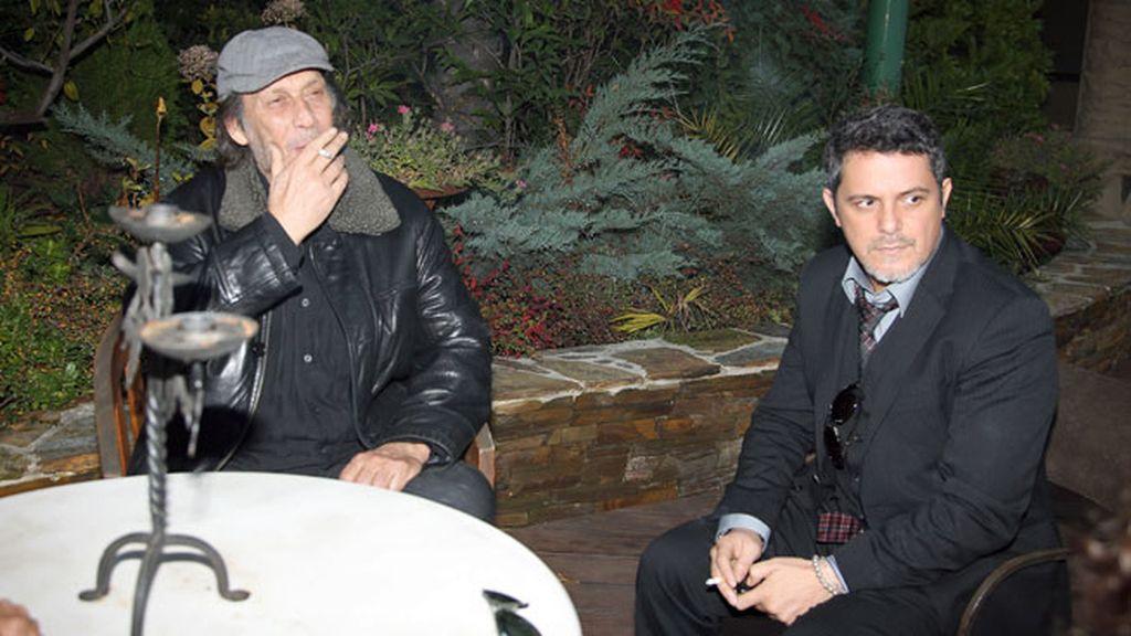 Con Alejandro Sanz en la capilla ardiente de Enrique Morente