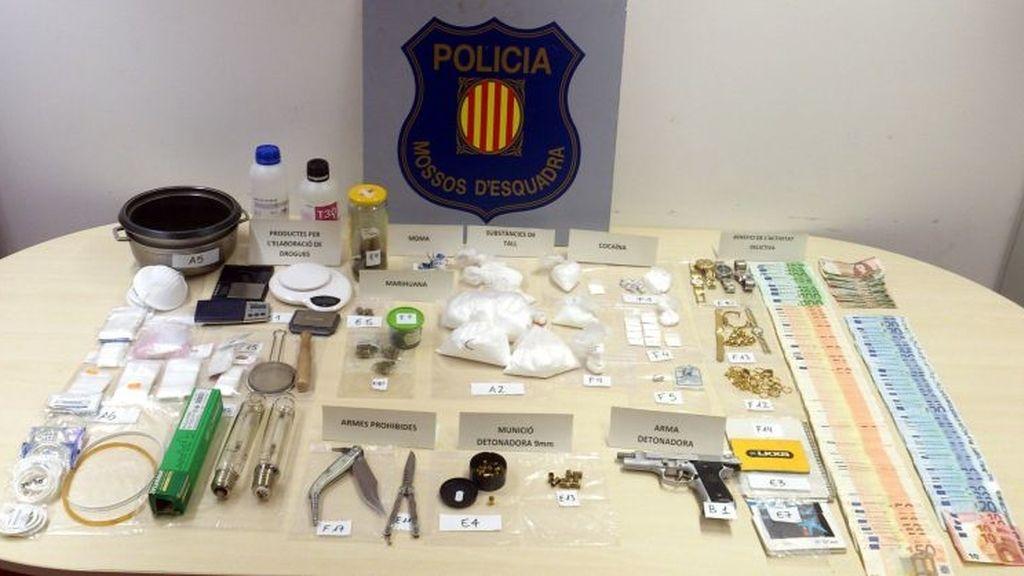 Detenida una familia que tenía un laboratorio de drogas en su casa de Barcelona