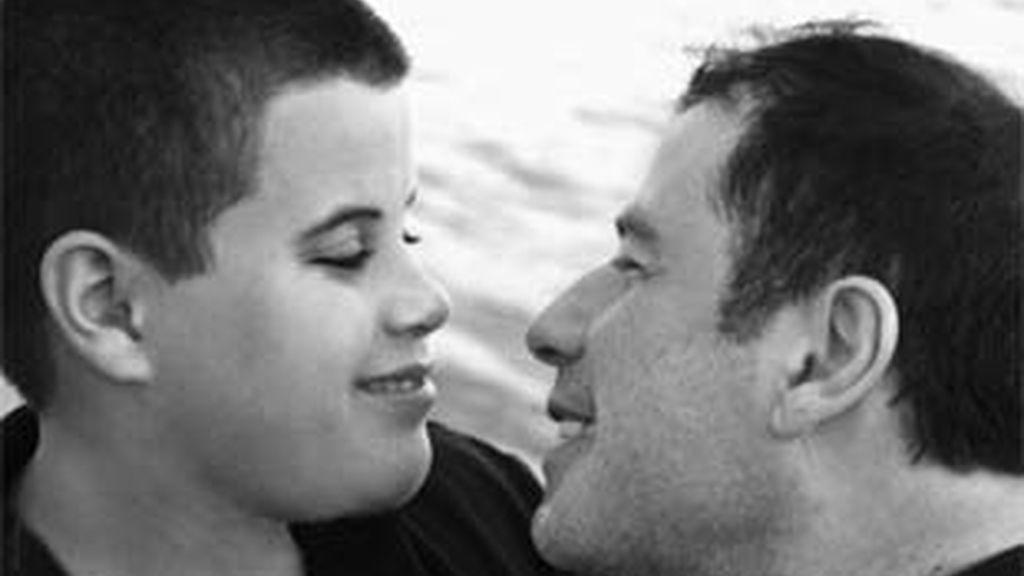 John Travolta y su hijo Jett en una Imagen de archivo. Foto: Travolta.com