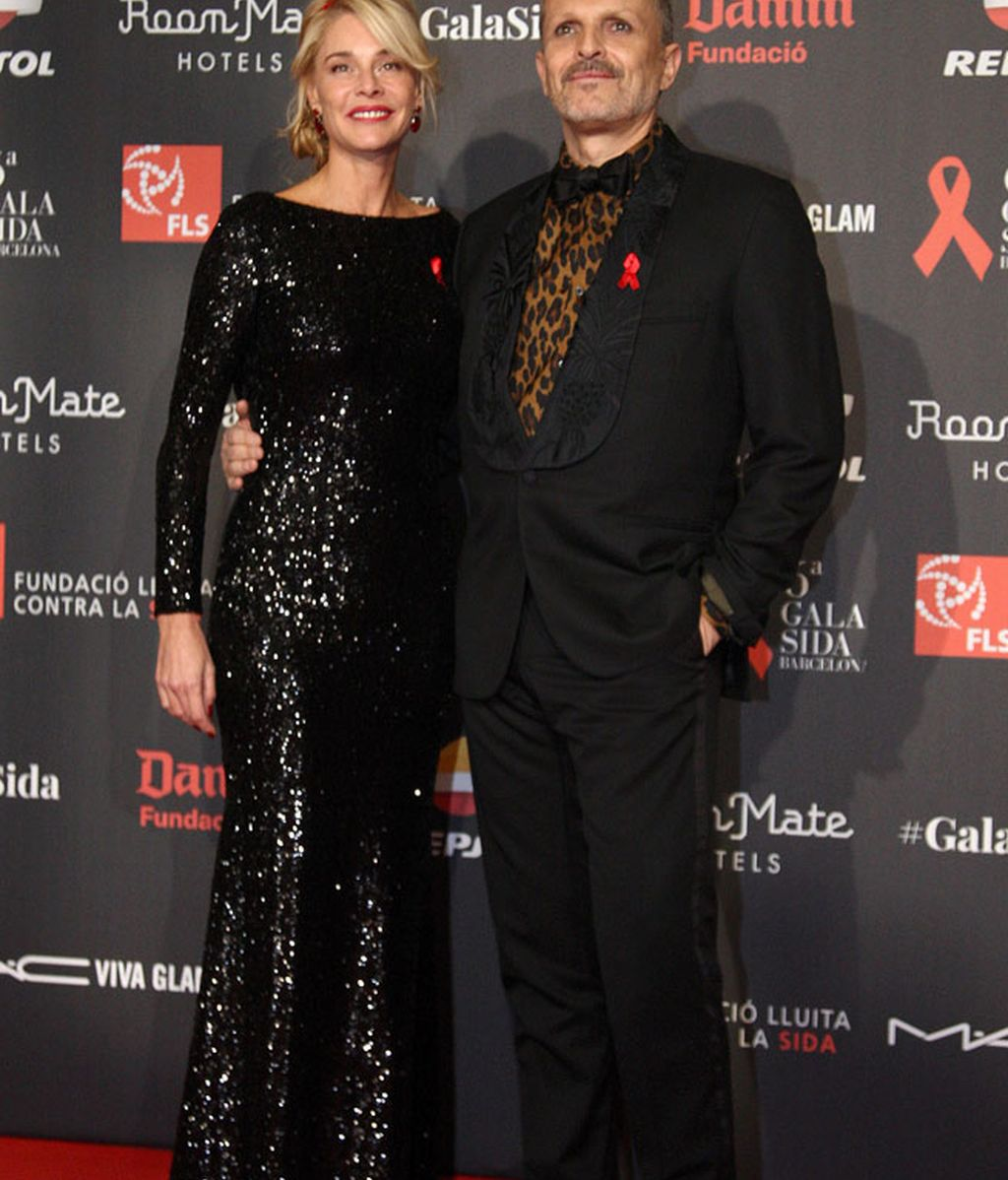 Miguel Bosé condujo la gala de la mano de Belén Rueda, madrina del evento