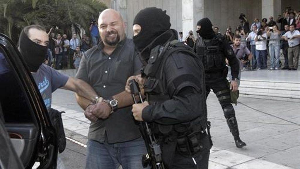 Detienen otras dos personas vinculadas a Amanecer Dorado y ya son 29 los arrestados