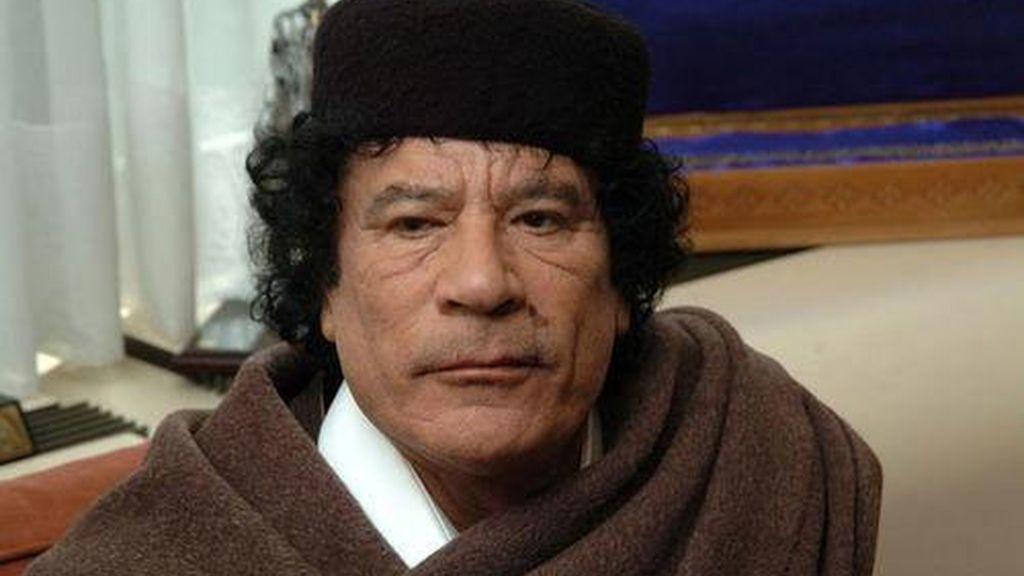 MUAMAR EL GADAFI...HIPOCONDRÍACO