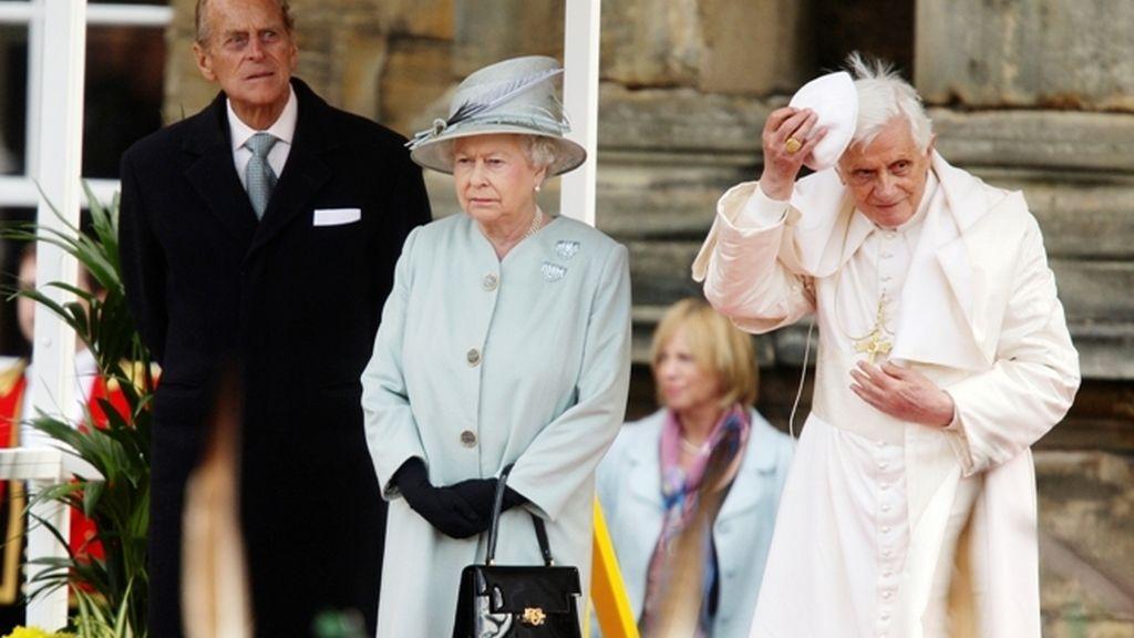 El Papa con la Reina Isabel II