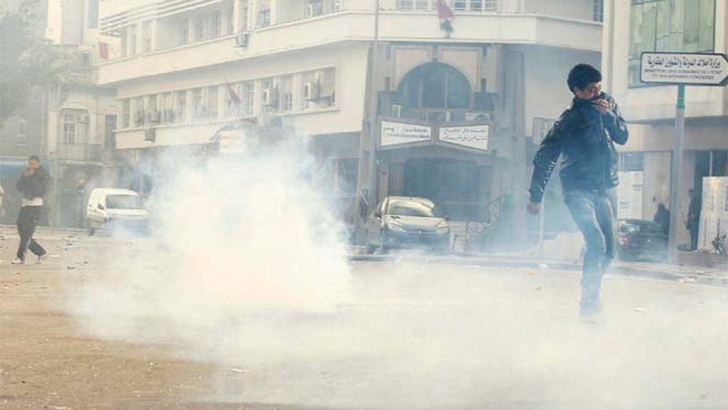 Saqueos y pillaje en la capital tunecina
