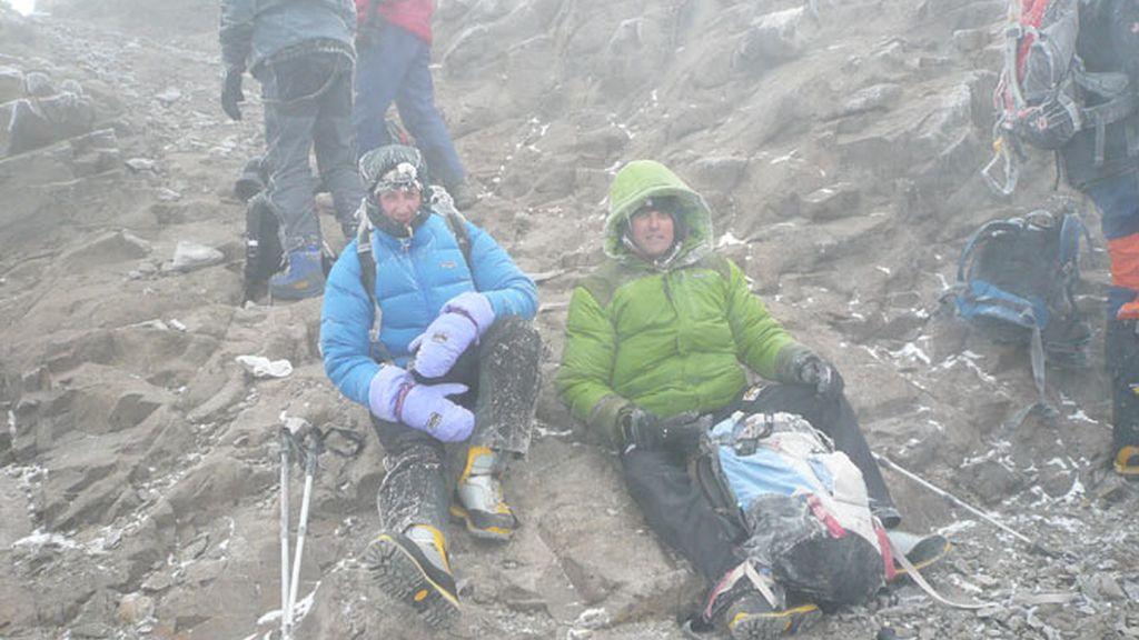 Un pequeño descanso ascendiendo el Aconcagua