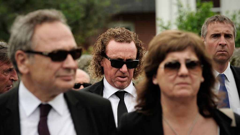 Dolor y grandes recuerdos en el funeral de Seve