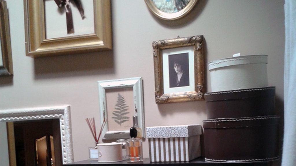 El 'punto d' de María Remedios Villen, la romántica pared de su baño