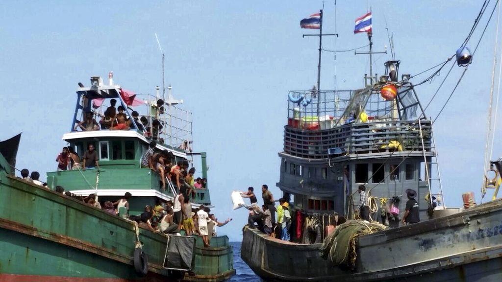 Malasia e Indonesia se comprometen a ayudar a los 7.000 inmigrantes a la deriva