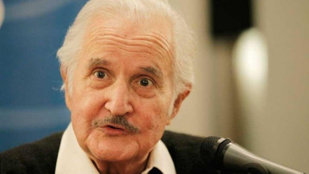 El escritor mexicano escribió una veintena de novelas, entre las más conocidas, 'La región más transparente' y 'La muerte de Artemio Cruz'.