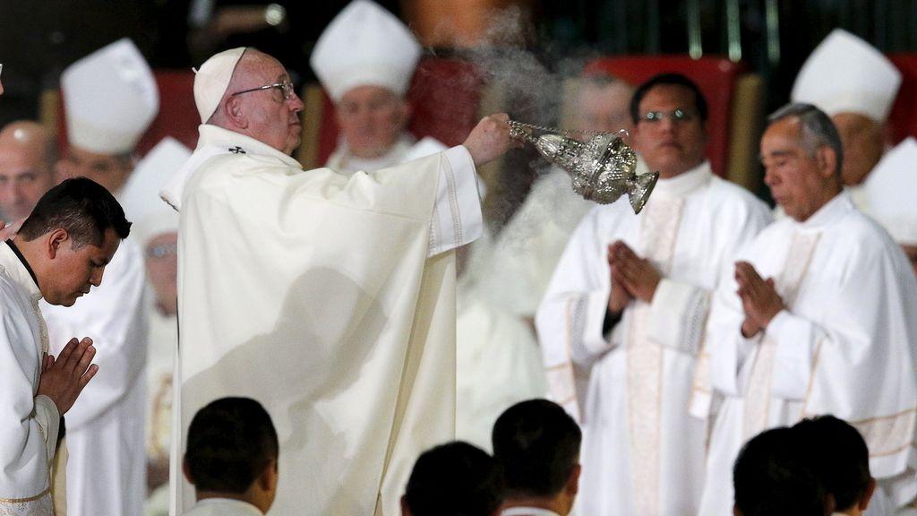 Concluye el primer día del Papa en México