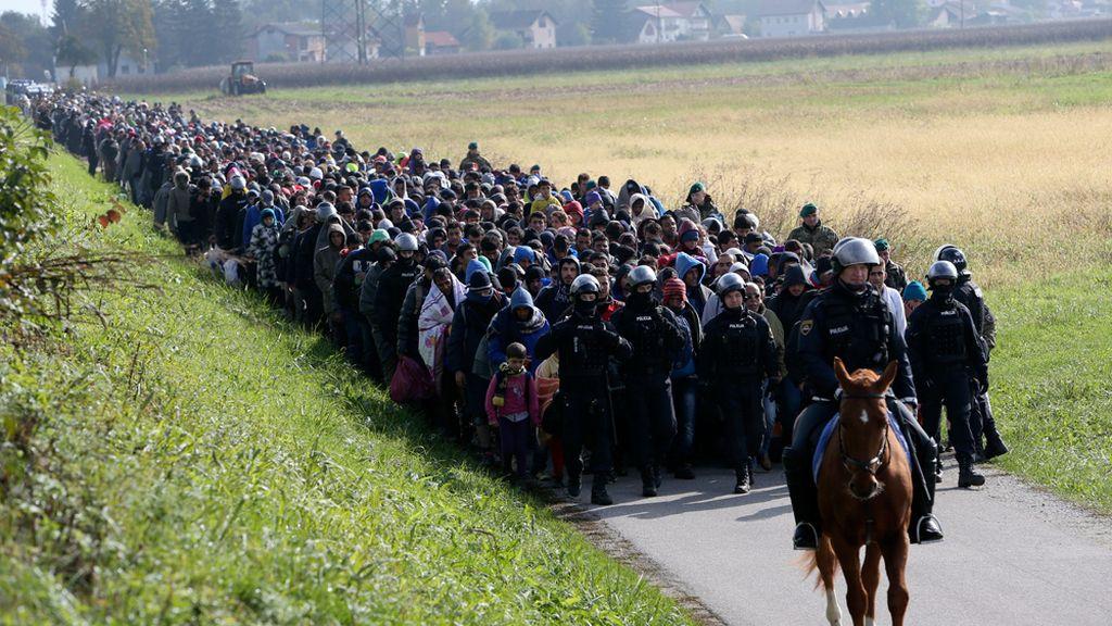Eslovenia aprueba desplegar al Ejército en la frontera en medio de la crisis migratoria