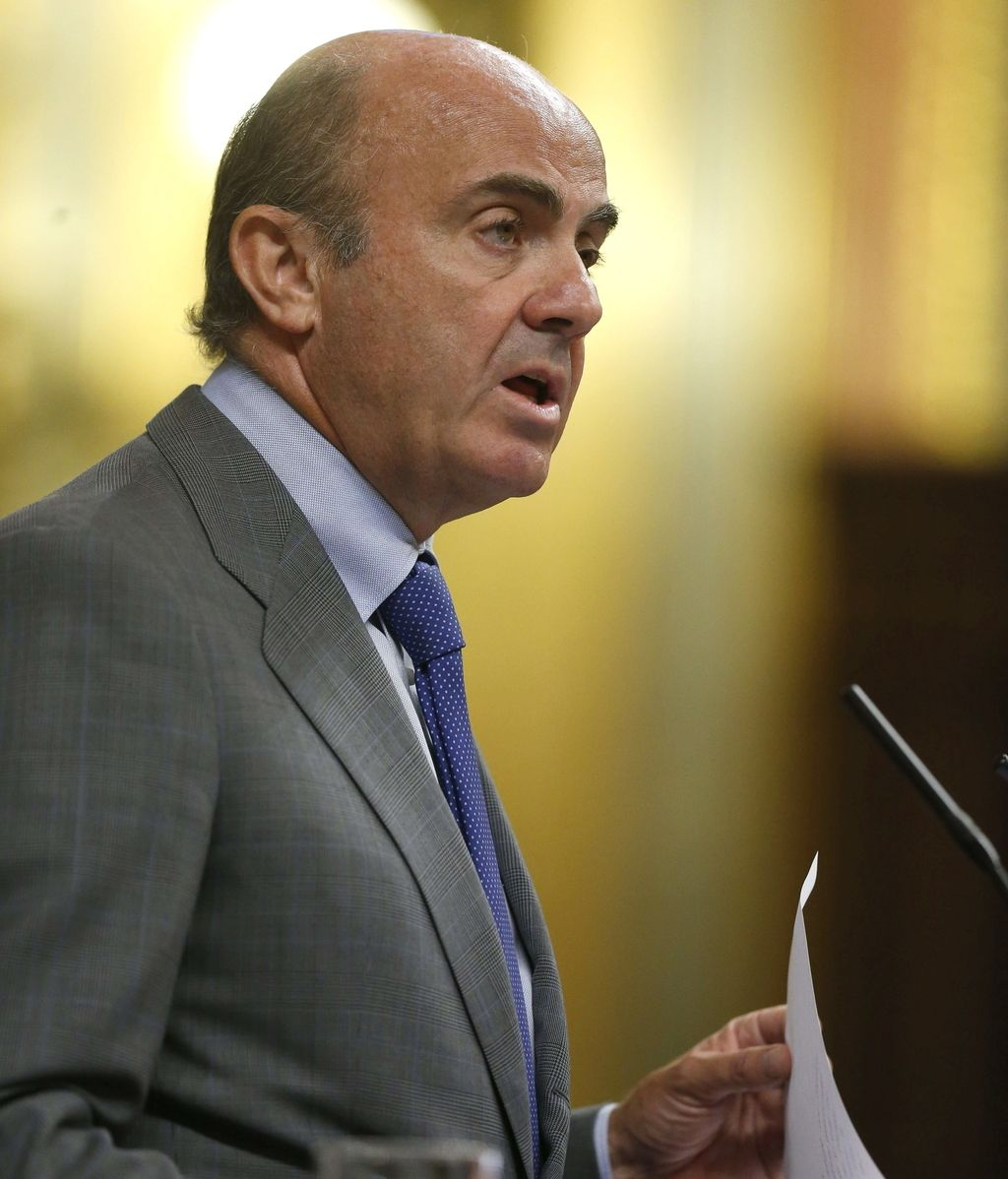 Luis de Guindos, ministro de Economía defiende en el Congreso el tercer rescate griego