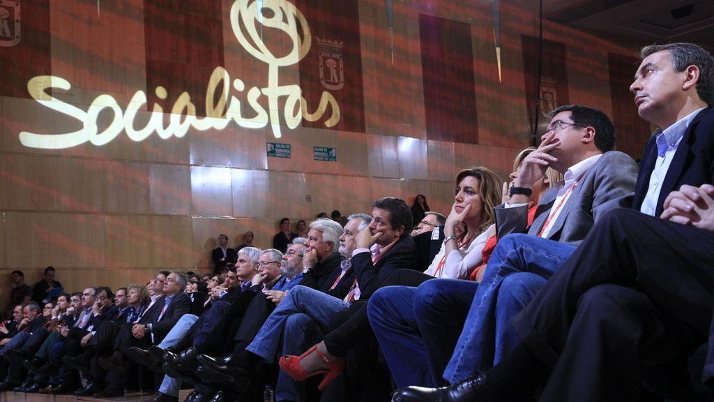 Los líderes socialistas durante la Conferencia Política
