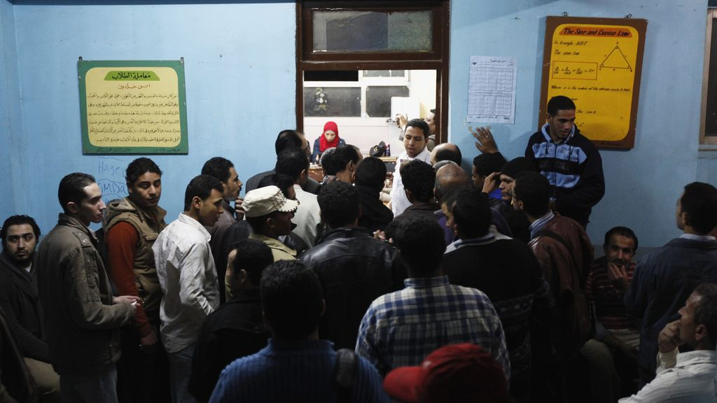Los egipcios se agolpan para votar en el referéndum constitucional