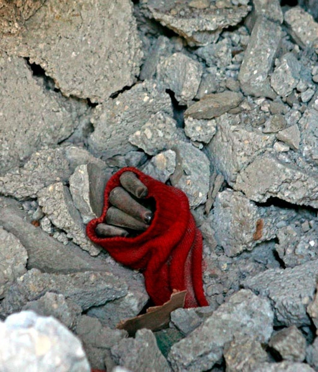 gaza. encuentran 95 cadáveres entre los escombros