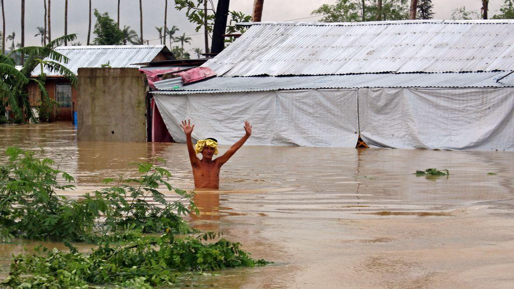 La tormenta tropical 'Seniang' deja 53 muertos a su paso por Filipinas