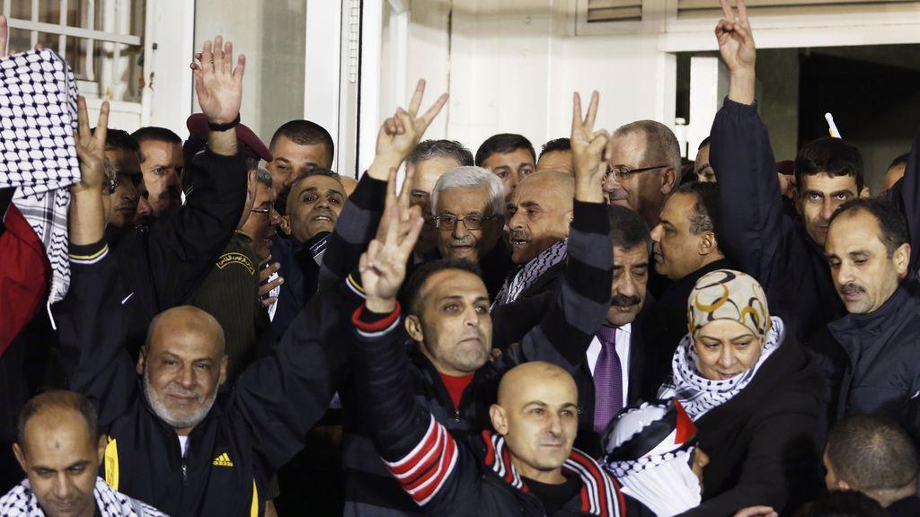 Israel comienza a liberar al grupo de 26 prisioneros palestinos acordado con EEUU