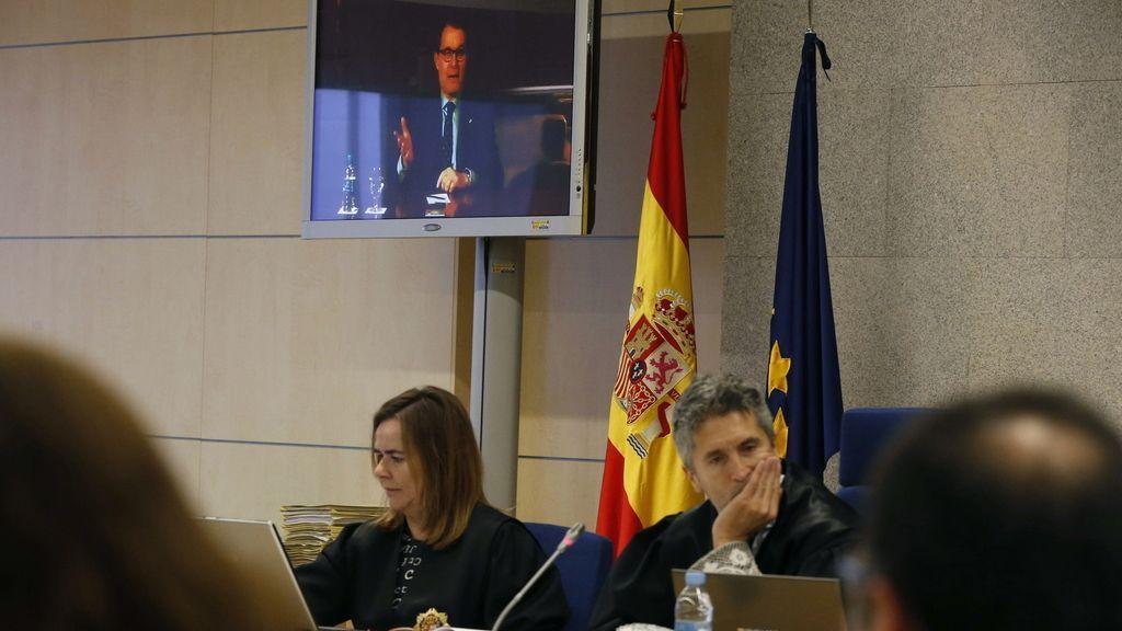 Mas declara desde la Generalitat en el juicio del asedio al Parlament