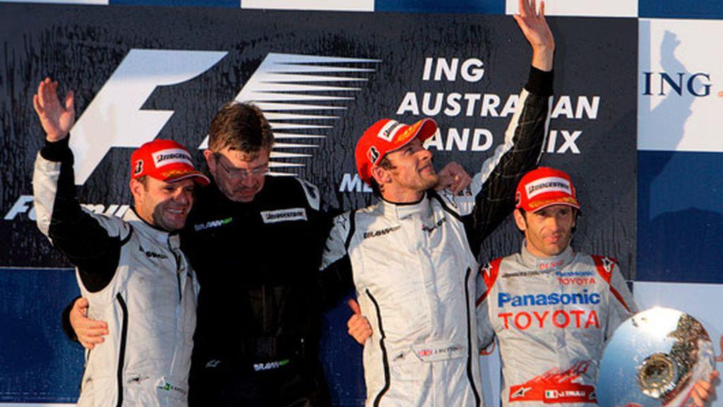 Button celebra el podio