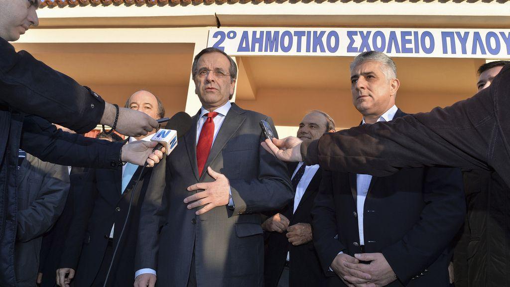 El líder de Nueva Democracia, Antonis Samaras, en las urnas