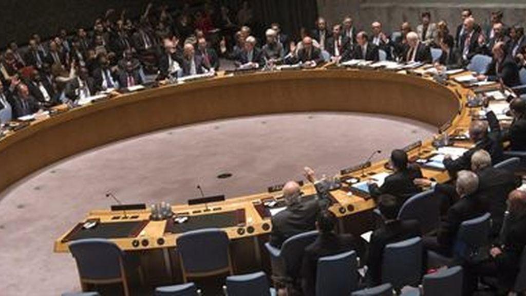 La ONU adopta por unanimidad la resolución para destruir el arsenal químico de Siria