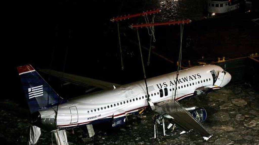 Rescate del avión siniestrado