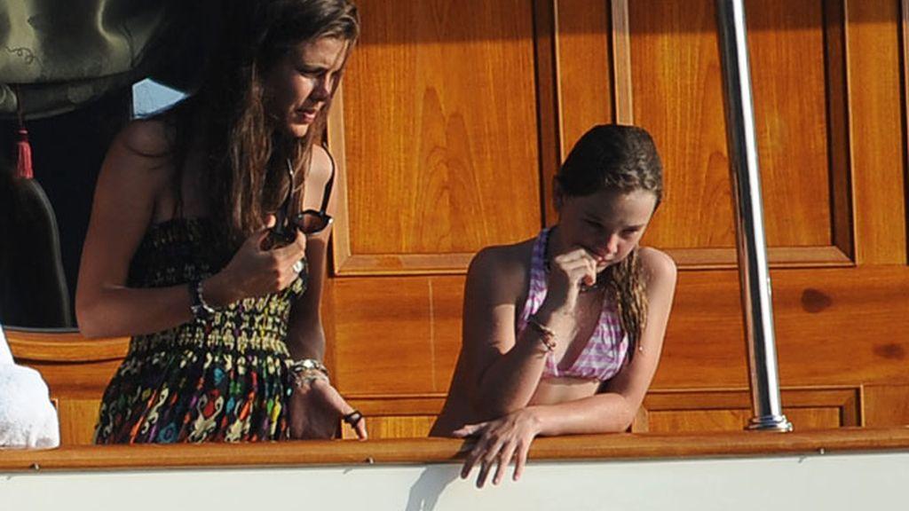 Carolina, Carlota y Alejandra: un día de chicas en el yate
