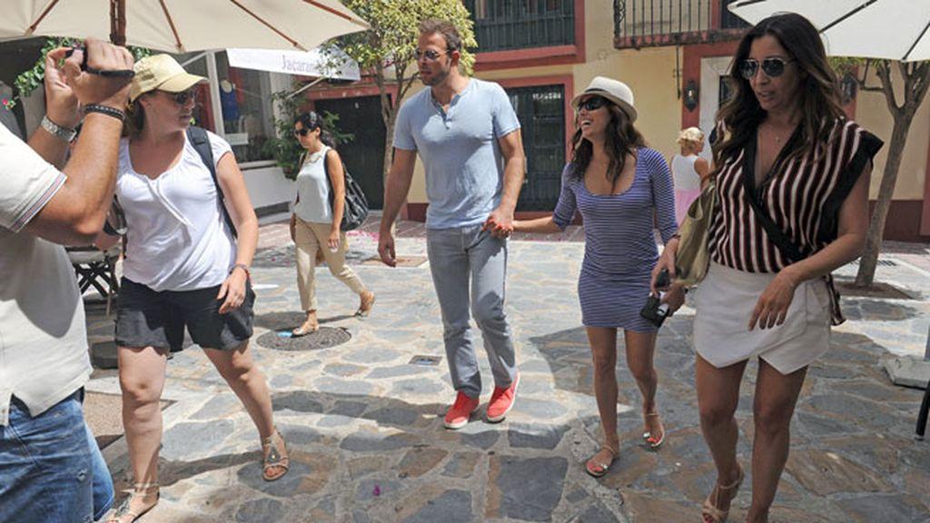 Eva se mostró muy cercana con la gente de Marbella