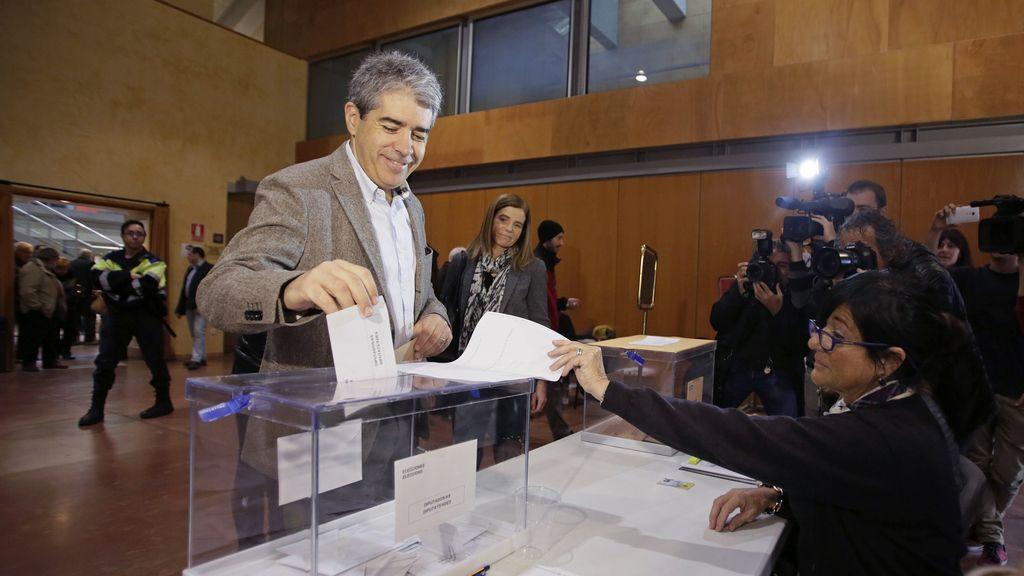 Francesc Homs vota en Taradell