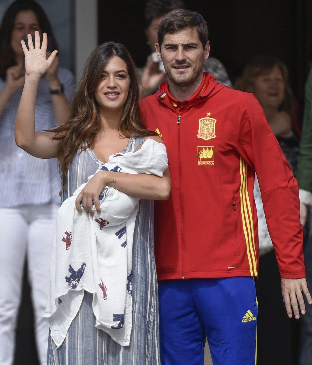 Iker Casillas y Sara Carbonero presentan a su segundo hijo: Lucas