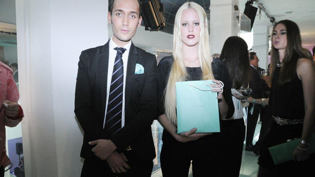 Gonzalo Gombau con María Forqué, una de las afortunadas que consiguió abrir la urna de Tiffany´s