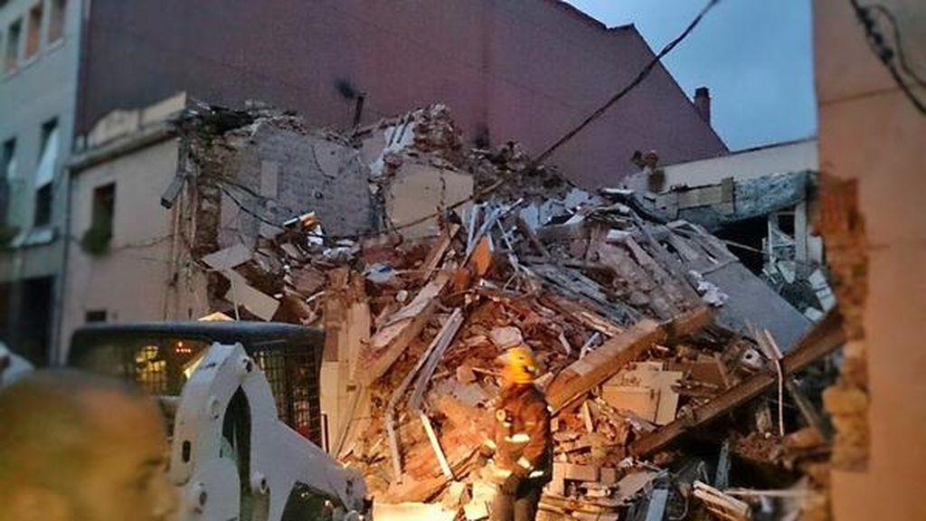 Once heridos leves por una explosión en un edificio de Begues, Barcelona