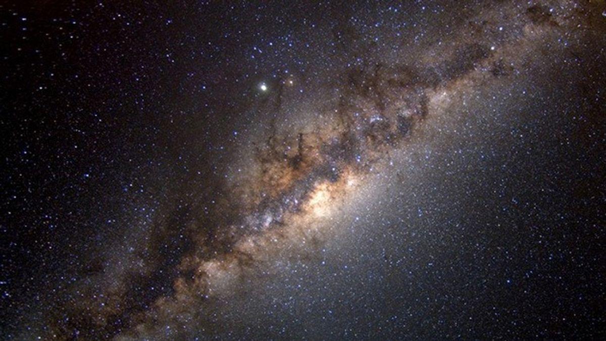 Descubren decenas de estrellas muy veloces que 'huyen' de nuestra galaxia