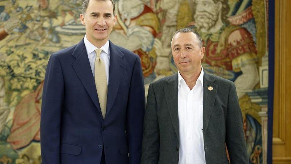 Compromís presenta una propuesta de Gobierno de última hora al rey