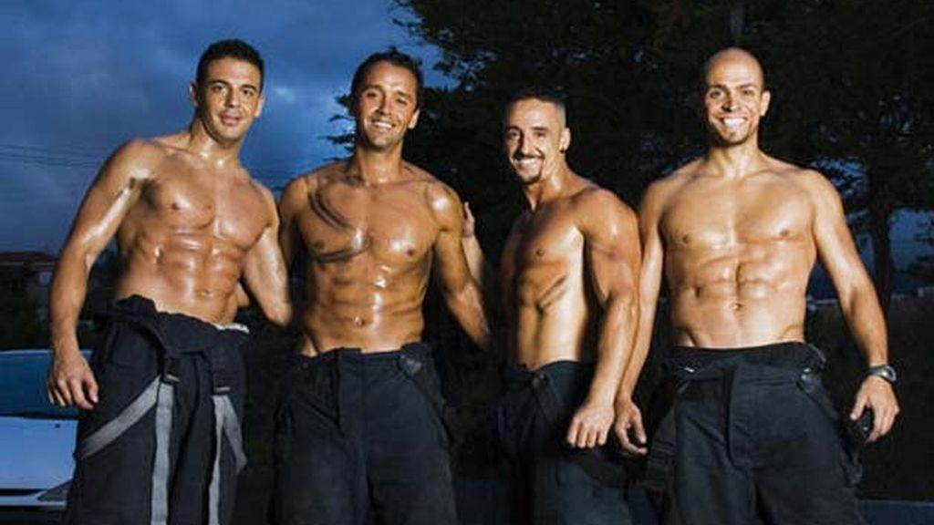 Calendario 2010 de los bomberos de Tenerife