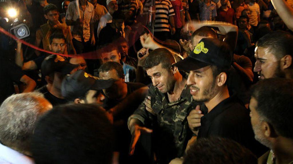 Israel excarcela al primer grupo de presos palestinos
