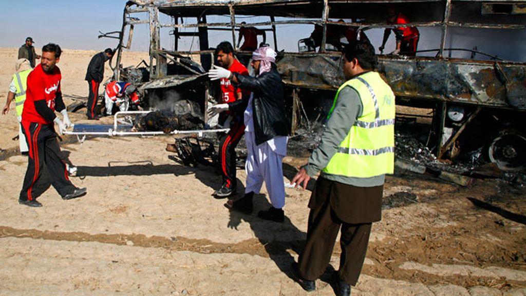 Al menos 19 muertos y 25 heridos mueren en un atentado contra una partida de peregrinos chiíes